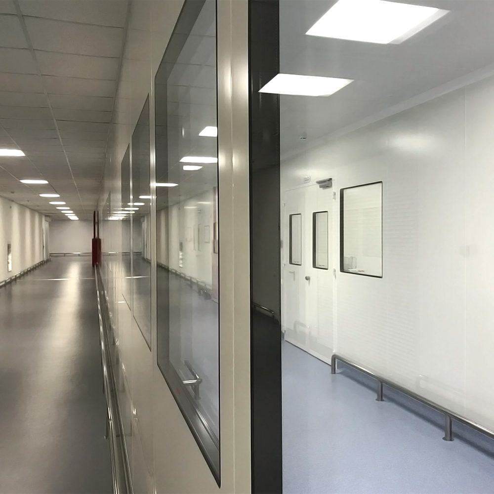 Double glazed window units for Nicomac modular cleanroom system